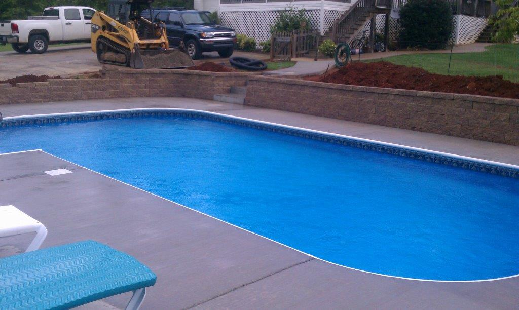 bryant-pool-with-wall
