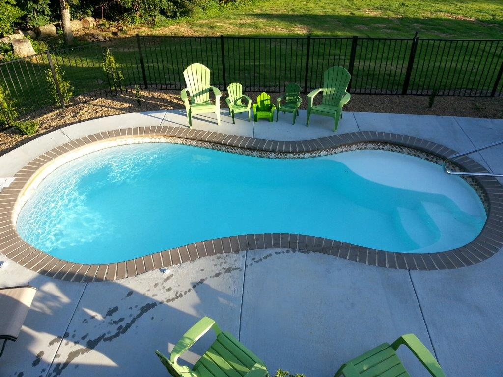 Fiberglass swimming pool installation in burlington nc for Fiberglass above ground pool